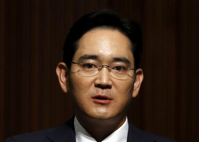 FILE PHOTO: Samsung Electronics Vice Chairman Jay Y. Lee speaks at the company's headquarters in Seoul, South Korea, June 23, 2015.   REUTERS/Kim Hong-Ji/File Photo