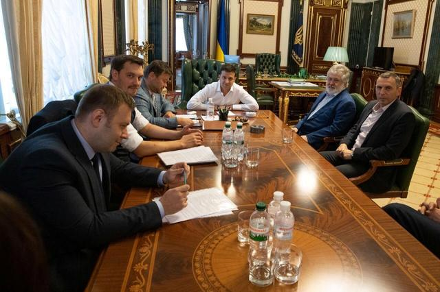 Ukrainian President Volodymyr Zelenskiy meets tycoon Igor Kolomoisky in Kiev, Ukraine September 10, 2019. Ukrainian Presidential Press Service/Handout via REUTERS