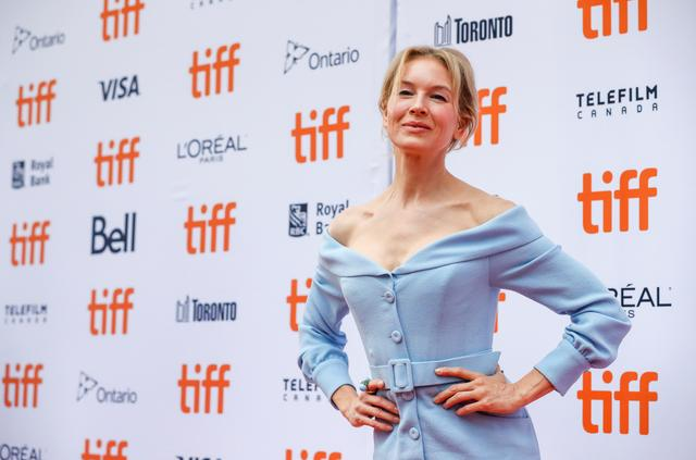 """Actor Renee Zellweger poses as she arrives at the Canadian premiere of """"Judy"""" at the Toronto International Film Festival (TIFF) in Toronto, Ontario, Canada September 10, 2019. REUTERS/Mario Anzuoni"""