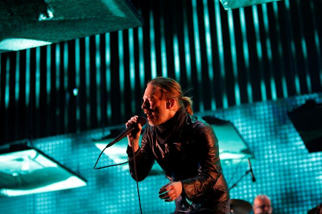 FILE PHOTO: Thom Yorke performs with Radiohead at the Coachella Valley Music and Arts Festival in Indio, California April 14, 2012. . REUTERS/David McNew/File Photo