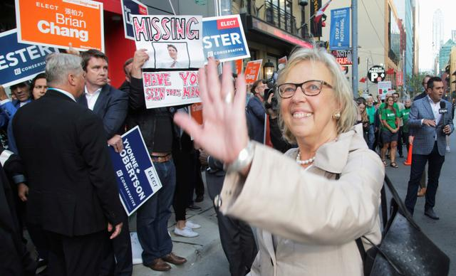 FILE PHOTO: Green Party leader Elizabeth May arrives for a debate hosted by Macleans news magazine, which will not be attended by Prime Minister Justin Trudeau, in Toronto, Ontario, Canada September 12, 2019. REUTERS/Chris Helgren/File Photo