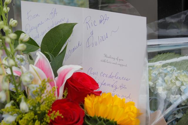 A condolence card and flowers are left at a memorial outside the home of singer and producer Ric Ocasek following his death in New York City, U.S., September 16, 2019. REUTERS/Brendan McDermid