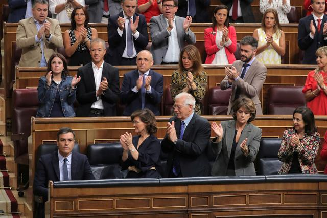 Spain's acting Prime Minister Pedro Sanchez attends weekly cabinet control session at Parliament in Madrid, September 18, 2019. REUTERS/Sergio Perez