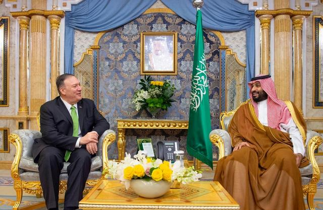 U.S. Secretary of State Mike Pompeo meets with Saudi Arabia's Crown Prince Mohammed bin Salman in Jeddah, Saudi Arabia, September 18, 2019. Bandar Algaloud/Courtesy of Saudi Royal Court/Handout via REUTERS