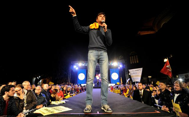 FILE PHOTO: 5-Star movement  Alessandro Di Battista speaks during the final rally for the regional election in Palermo, Italy, November 3, 2017. REUTERS/Guglielmo Mangiapane/File Photo
