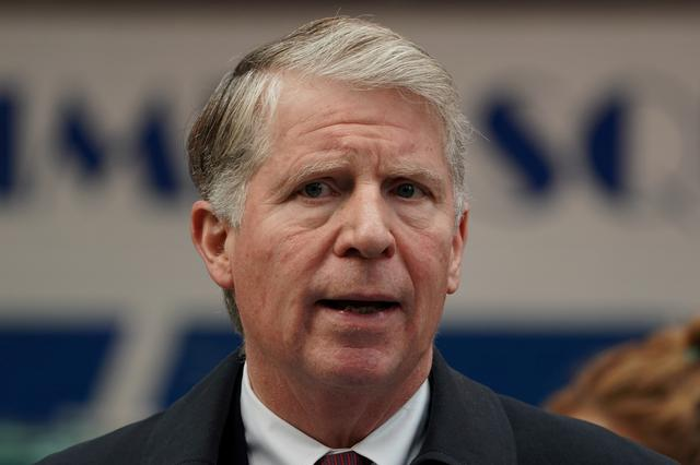 FILE PHOTO: Manhattan District Attorney Cyrus Vance Jr. speaks at a news conference to discuss the Concealed Carry Reciprocity Act in the Manhattan borough of New York City, New York, U.S., December 6, 2017.  REUTERS/Carlo Allegri/File Photo