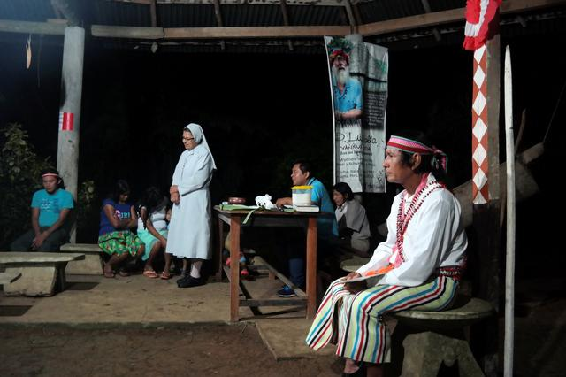 Shainkiam Yampik Wananch, a deacon ordered by the Catholic Church, celebrates a liturgy with indigenous Achuar people at a chapel in Wijint, a village in the Peruvian Amazon, Peru August 20, 2019.  REUTERS/Maria Cervantes