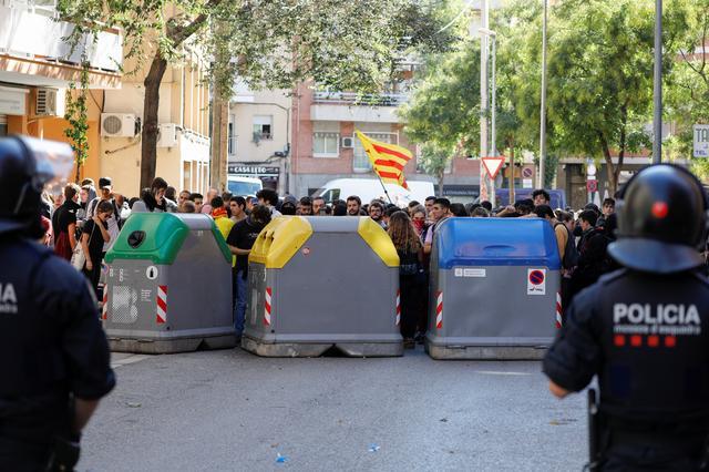 Protesters gather as Ciudadanos party leader Albert Rivera visits the Saudade centre in Barcelona, Spain, October 16, 2019. REUTERS/Jon Nazca