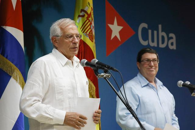 Spanish Foreign Minister Josep Borrell speaks beside his Cuban counterpart Bruno Rodriguez during a news conference in Havana, Cuba, October 16, 2019. REUTERS/Alexandre Meneghini