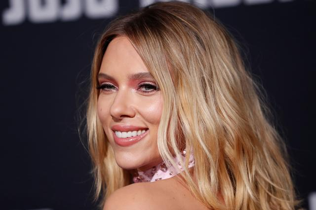 "FILE PHOTO: Cast member Scarlett Johansson attends the premiere for the movie ""Jojo Rabbit"" in Los Angeles, California, U.S., October 15, 2019. REUTERS/Mario Anzuoni"