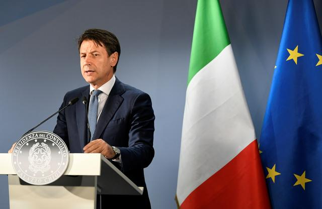 Italian Prime Minister Giuseppe Conte holds a news conference at the end of the European Union leaders summit dominated by Brexit, in Brussels, Belgium October 18, 2019. REUTERS/Piroschka van de Wouw