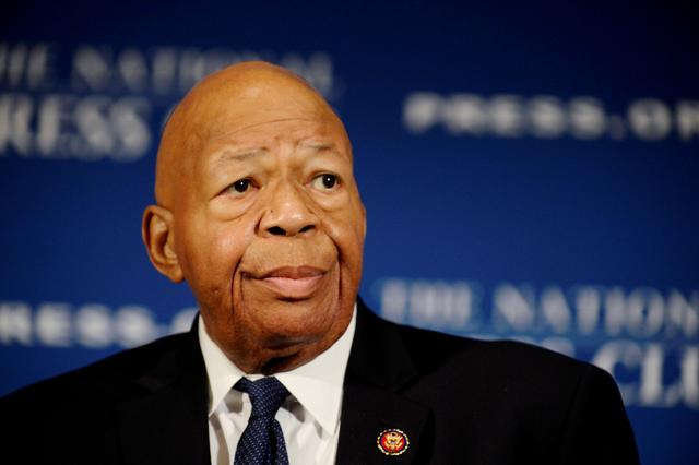 """FILE PHOTO: House Oversight and Government Reform Chairman Elijah Cummings (D-MD) addresses a National Press Club luncheon on his """"committee's investigations into President Donald Trump and his administration,"""" in Washington, U.S., August 7, 2019.  REUTERS/Mary F. Calvert - RC1F81529540/File Photo"""