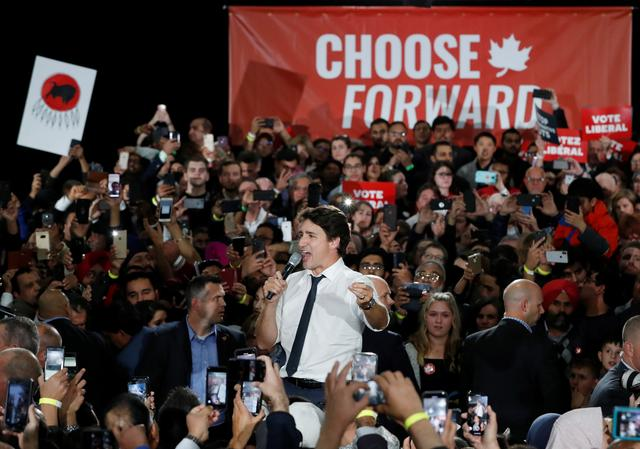 Liberal leader and Canadian Prime Minister Justin Trudeau takes part in a rally as he campaigns for the upcoming election, in Calgary, Alberta, Canada October 19, 2019. REUTERS/Stephane Mahe