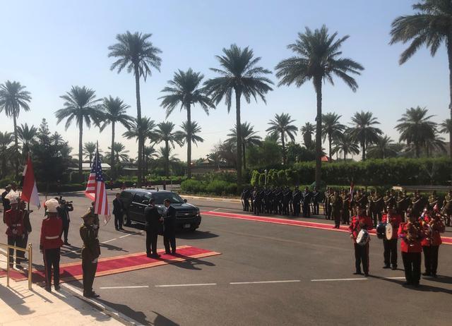 U.S. Defense Secretary Mark Esper meets Iraq's Defence Minister Najah al-Shammari at the Ministry of Defense in Baghdad, Iraq October 23, 2019. REUTERS/Idrees Ali