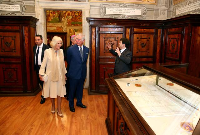 FILE PHOTO: Britain's Prince Charles and his wife Camilla, Duchess of Cornwall, visit archives that were known as the Vatican Secret Archives at the Vatican, April 4, 2017. REUTERS/Alessandro Bianchi/File Photo
