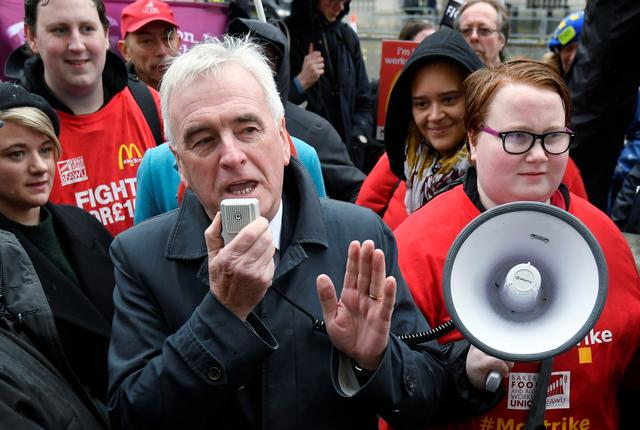 Britain's Shadow Chancellor John McDonnell speaks during a protest of McDonald's workers demanding higher wages, outside Downing Street in London, Britain November 12, 2019.  REUTER/Toby Melville