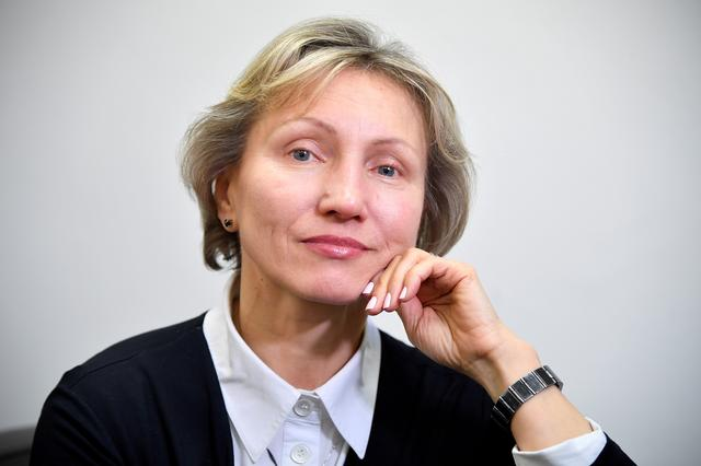 FILE PHOTO: Marina Litvinenko, widow of former Russian intelligence agent Alexander Litvinenko, poses for a portrait during an interview with Reuters in London, Britain, March 14, 2018. REUTERS/Toby Melville/File Photo
