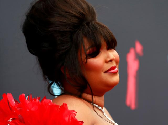 FILE PHOTO: 2019 MTV Video Music Awards - Arrivals - Prudential Center, Newark, New Jersey, U.S., August 26, 2019 - Lizzo. REUTERS/Andrew Kelly/File Photo