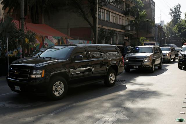 U.S. Attorney General William Barr's convoy arrives at the Mexico's Attorney General Office (FGR) ahead of his meeting with the Mexican Attorney General Alejandro Gertz Manero, in Mexico City, Mexico December 5, 2019. REUTERS/Jose Luis Gonzalez