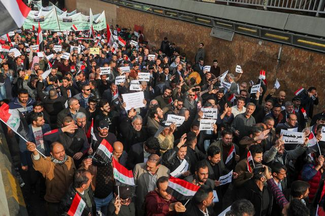 Iraqi demonstrators gather during ongoing anti-government protests in Baghdad, Iraq December 6, 2019. REUTERS/Khalid al-Mousily