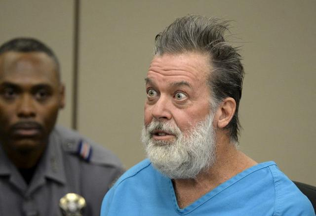 FILE PHOTO: Robert Lewis Dear, 57, accused of shooting three people to death and wounding nine others at a Planned Parenthood clinic in Colorado last month, attends his hearing to face 179 counts of various criminal charges at an El Paso County court in Colorado Springs, Colorado December 9, 2015. REUTERS/Andy Cross/Pool