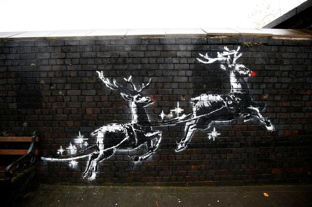 A new mural by the street artist Banksy is seen in Birmingham, Britain, December 10, 2019.  REUTERS/Henry Nicholls  NO RESALES. NO ARCHIVES