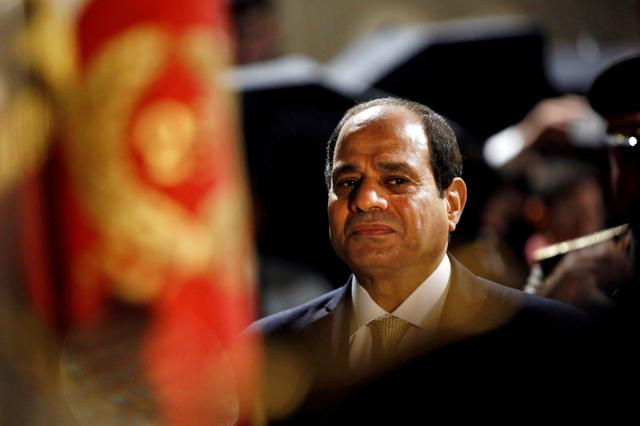 FILE PHOTO: Egyptian President Abdel Fattah al-Sisi reviews the troops at the Defense Ministry in Paris, France, October 23, 2017.  REUTERS/Thibault Camus/Pool