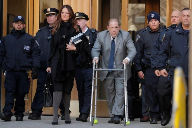 Film producer Harvey Weinstein departs New York Criminal Court as jury selection continues in his sexual assault trial in the Manhattan borough of New York City, New York, U.S., January 15, 2020.  REUTERS/Lucas Jackson