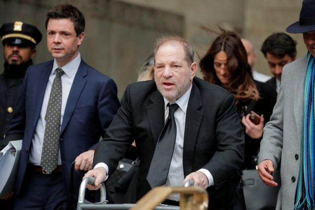 Film producer Harvey Weinstein departs his sexual assault trial at New York Criminal Court in the Manhattan borough of New York City, New York, U.S., January 16, 2020. REUTERS/Brendan McDermid