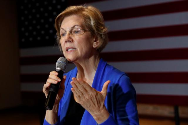 Democratic 2020 U.S. presidential candidate and U.S. Senator Elizabeth Warren (D-MA) speaks at a campaign town hall meeting in Newton, Iowa, U.S., January 17, 2020. REUTERS/Shannon Stapleton