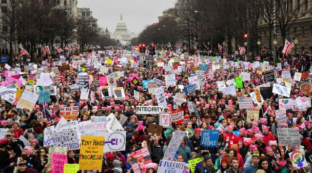 FILE PHOTO: Hundreds of thousands march down Pennsylvania Avenue during the Women's March in Washington, DC, U.S., January 21, 2017.  REUTERS/Bryan Woolston/File Photo