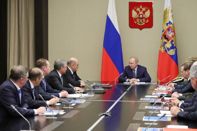 Russian President Vladimir Putin chairs a meeting with members of the Security Council at the Novo-Ogaryovo state residence outside Moscow, Russia January 20, 2020. Sputnik/Mikhail Klimentyev/Kremlin via REUTERS