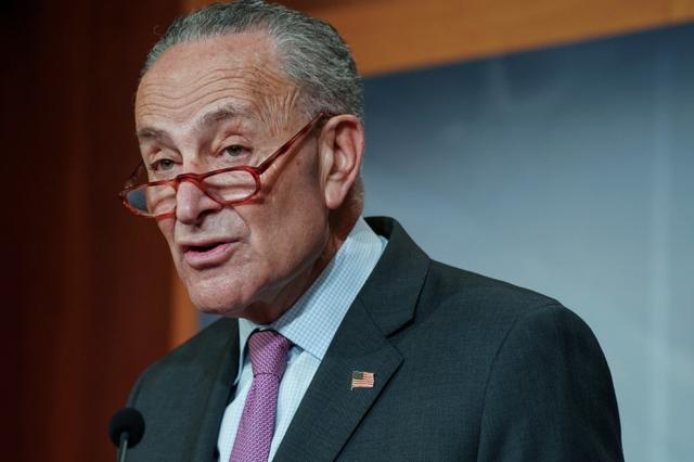 U.S. Senate Democratic Leader Chuck Schumer participates in a news conference at the U.S Capitol ahead of the second day of the Senate impeachment trial of President Donald Trump in Washington, U.S., January 22, 2020. REUTERS/Sarah Silbiger