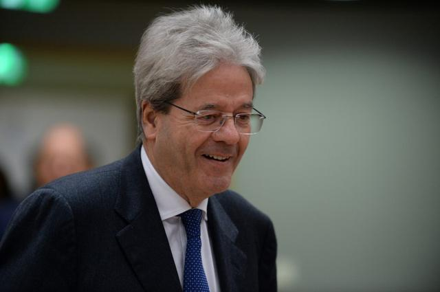 FILE PHOTO: European Economy Commissioner Paolo Gentiloni attends an European Union finance ministers meeting in Brussels, Belgium January 21, 2020. REUTERS/Johanna Geron