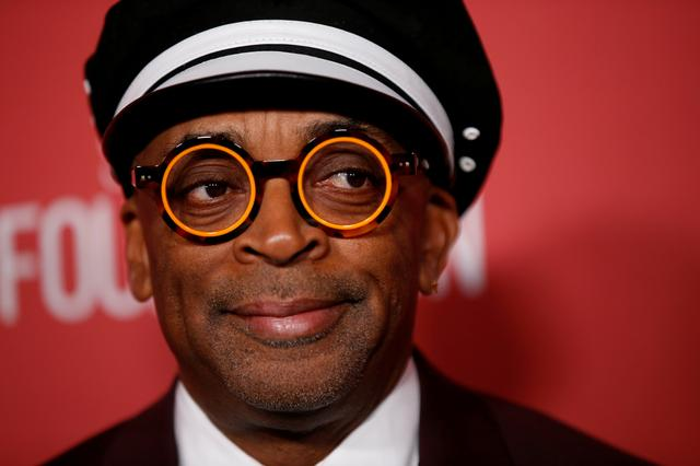 FILE PHOTO: The SAG-AFTRA Foundation 3rd Patron of the Artists Awards - Arrivals - Beverly Hills, California, U.S., November 8, 2018 - Patron of the Artists Awards Recipient Spike Lee poses.   REUTERS/Mario Anzuoni