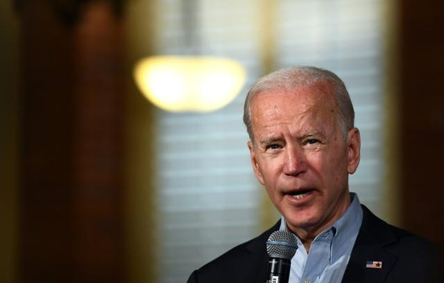 Democratic 2020 U.S. presidential candidate and former Vice President Joe Biden addresses the crowd at a campaign community event in Claremont, New Hampshire, U.S., January 24, 2020.   REUTERS/Gretchen Ertl