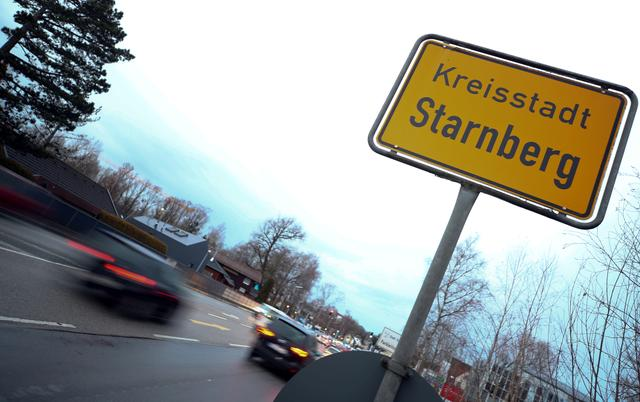 The town sign of Starnberg is seen after Germany has declared its first confirmed case of the deadly coronavirus; a man from Starnberg, 30 kilometers southwest of Munich, has been confirmed as suffering from the virus, in Starnberg, Germany January 28, 2020.   REUTERS/Michael Dalder
