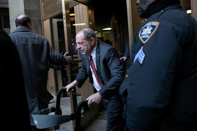 Film producer Harvey Weinstein leaves at New York Criminal Court for his sexual assault trial in the Manhattan borough of New York City, New York, U.S., February 20, 2020. REUTERS/Jeenah Moon