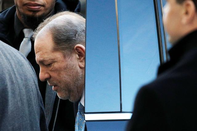 Film producer Harvey Weinstein arrives at New York Criminal Court ahead of the fifth day of jury deliberations for his sexual assault trial in the Manhattan borough of New York City, New York, U.S., February 24, 2020. REUTERS/Andrew Kelly
