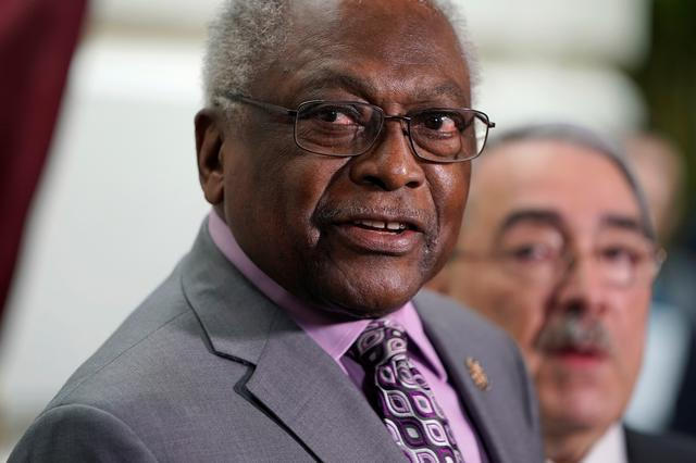 FILE PHOTO: House Majority Whip James Clyburn (D-SC) speaks at a press briefing on the 27th day of a partial government shutdown on Capitol Hill in Washington, U.S., January 17, 2019.  REUTERS/Joshua Roberts
