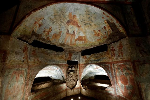 FILE PHOTO: A view of the cubicle Dei fornai inside Rome's oldest underground burial networks, Domitilla Catacombs, Italy, May 30, 2017.  REUTERS/Remo Casilli/File Photo