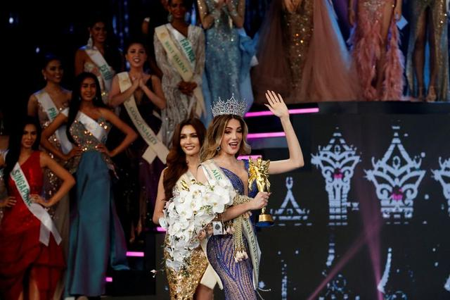 Mexico's Valentina Fluchaire waves after winning crown at the final show of the Miss International Queen 2020 transgender beauty pageant in Pattaya, Thailand March 7, 2020. REUTERS/Soe Zeya Tun