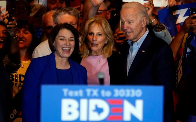 FILE PHOTO: Former Democratic 2020 U.S. presidential candidate Amy Klobuchar endorses former U.S. Vice President Joe Biden's campaign for U.S. president during a campaign event alongside Jill Biden, in Dallas, Texas, U.S., March 2, 2020. REUTERS/Eric Thayer/File Photo