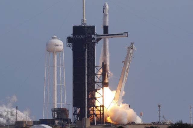 FILE PHOTO: A SpaceX Falcon 9 rocket, carrying the Crew Dragon astronaut capsule, lifts off on an in-flight abort test , a key milestone before flying humans in 2020 under NASA's commercial crew program, from the Kennedy Space Center in Cape Canaveral, Florida, U.S. January 19, 2020. REUTERS/Joe Skipper