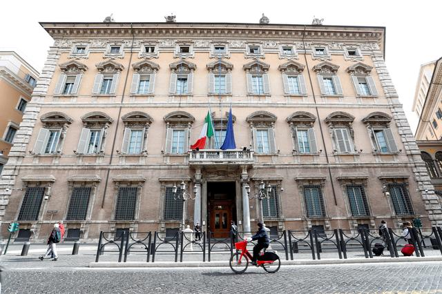 FILE PHOTO: Exterior of the Senate building in Rome, Italy, February 25, 2020. REUTERS/Remo Casilli