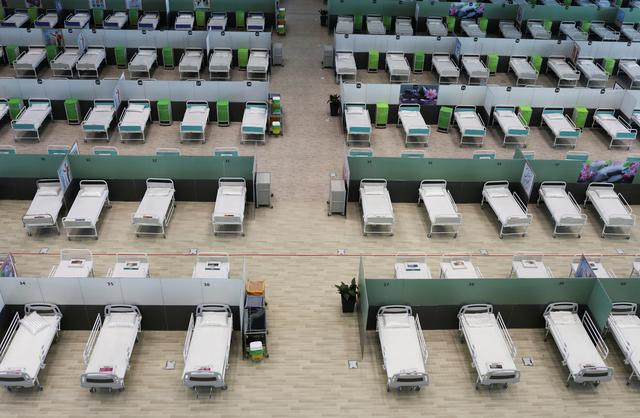 FILE PHOTO: A view of beds at a shopping mall, one of Iran's largest, which has been turned into a centre to receive patients suffering from the coronavirus disease (COVID-19), in Tehran, Iran, April 4, 2020. WANA (West Asia News Agency)/Ali Khara via REUTERS