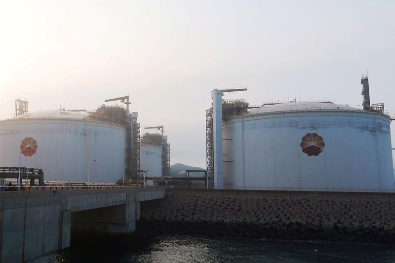 Column: Asian LNG prices take bigger coronavirus hit than Brent crude - Russell