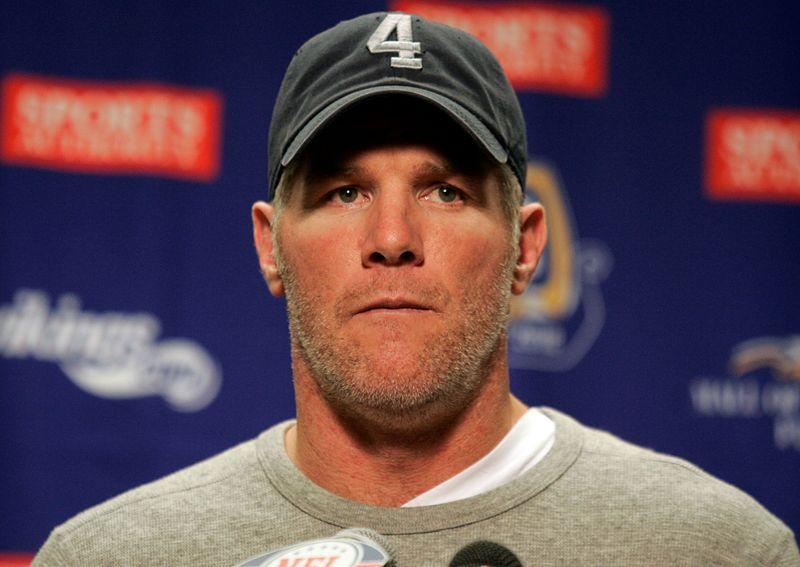 Brett Favre Criticized for Saying It's 'Hard to Believe' Derek Chauvin 'Intentionally Meant to Kill' George Floyd