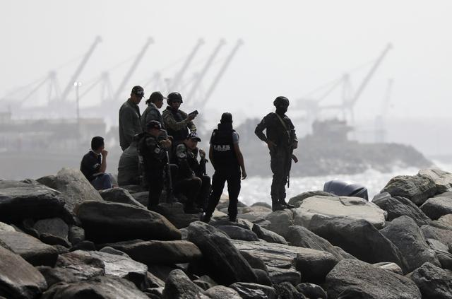 "FILE PHOTO: Members of the special forces unit are seen at a shore, after Venezuela's government announced a failed ""mercenary"" incursion, in Macuto, Venezuela, May 3, 2020. REUTERS/Manaure Quintero/File Photo"