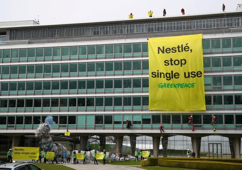 Nestlé avanza hacia meta de empaques sustentables | Reuters